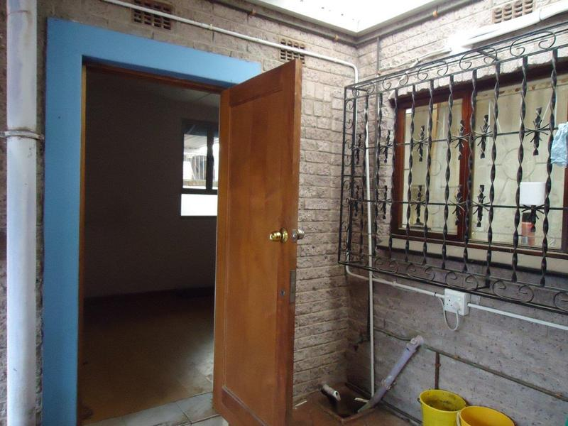 House For Sale in Chatsworth, Chatsworth