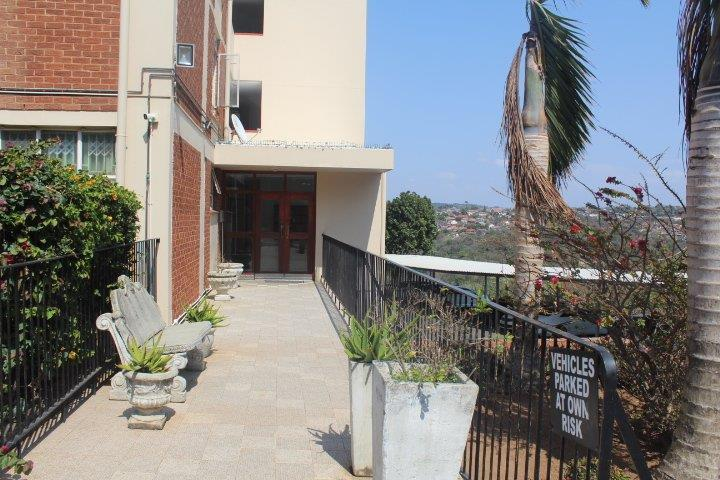 Apartment / Flat For Rent in Glenmore, Durban