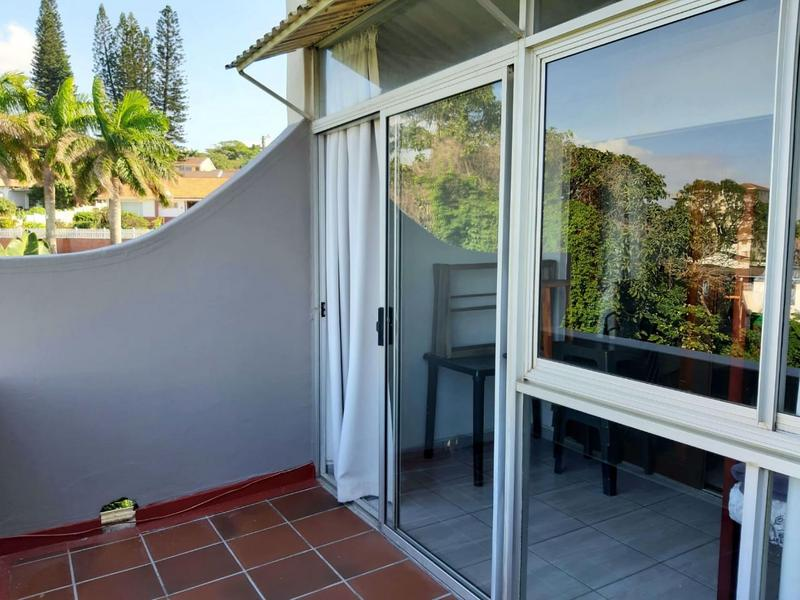 Apartment / Flat For Sale in Manaba Beach, South Coast
