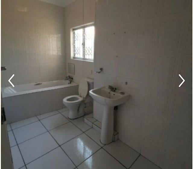 Apartment / Flat For Sale in Sunningdale, Umhlanga